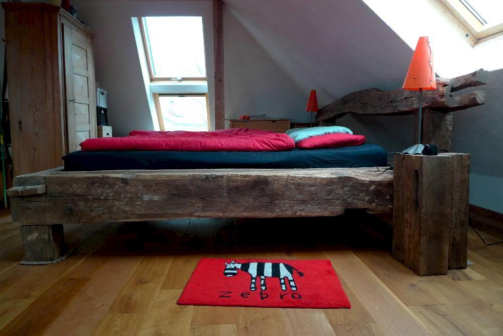 Unsere Baustoffe in Aktion: Neues Bett aus alten Eichenbalken