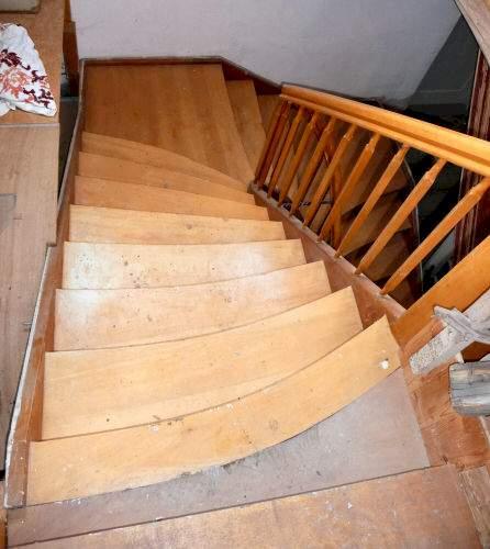 treppe eiche halbgewendelt mit zwei podesten. Black Bedroom Furniture Sets. Home Design Ideas