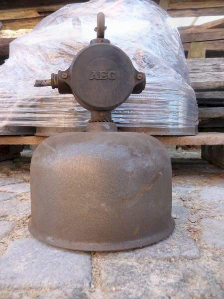 Alte Industrieleuchten Der Firma Aeg 180 Stk Artikelnr 1032