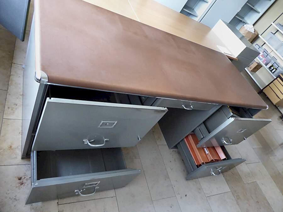 Metall Schreibtisch
