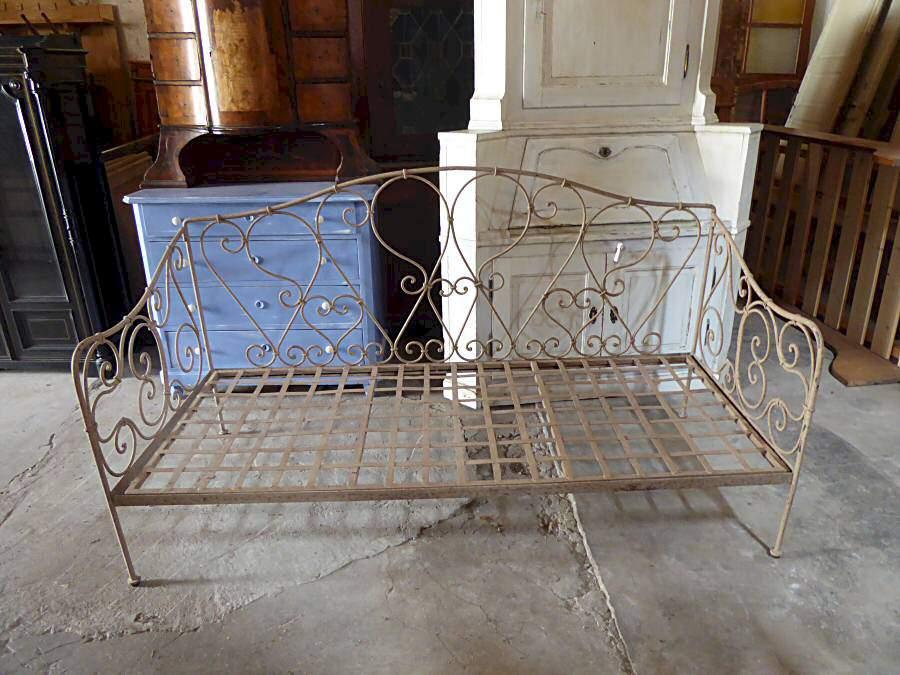 tagesbett aus metall 950. Black Bedroom Furniture Sets. Home Design Ideas