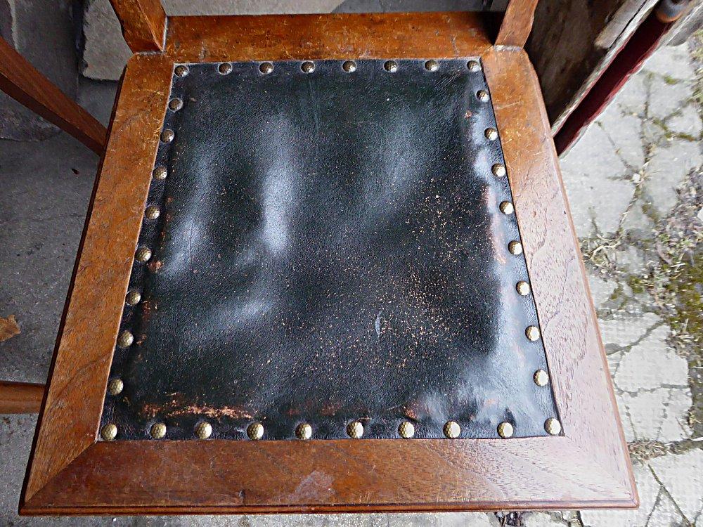 alte ehrw rdige lederst hle artnr 498. Black Bedroom Furniture Sets. Home Design Ideas
